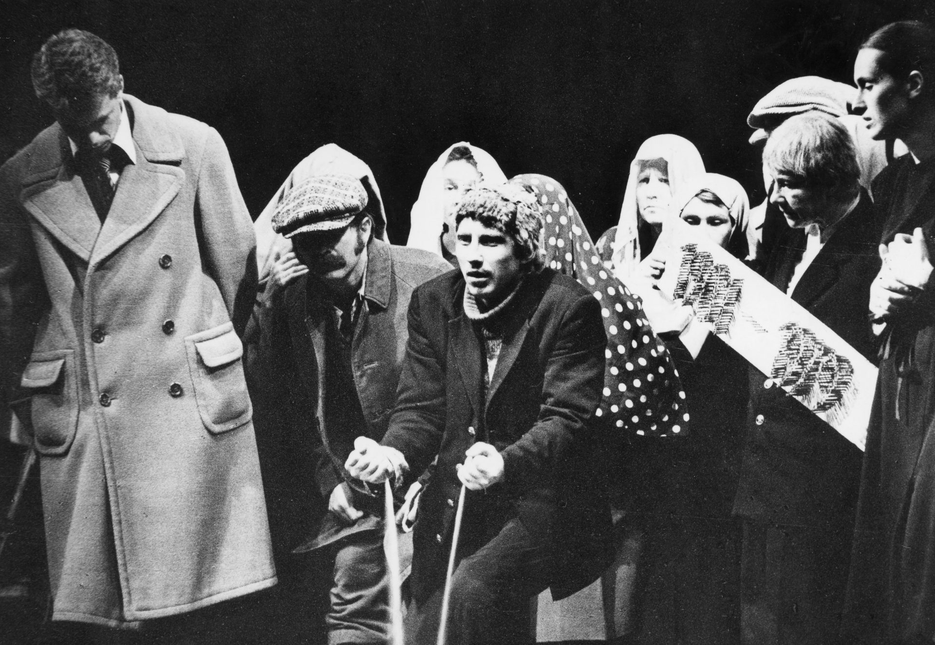 """Spektaklis """"Ilga kaip šimtmečiai diena"""", Algirdas Latėnas"""