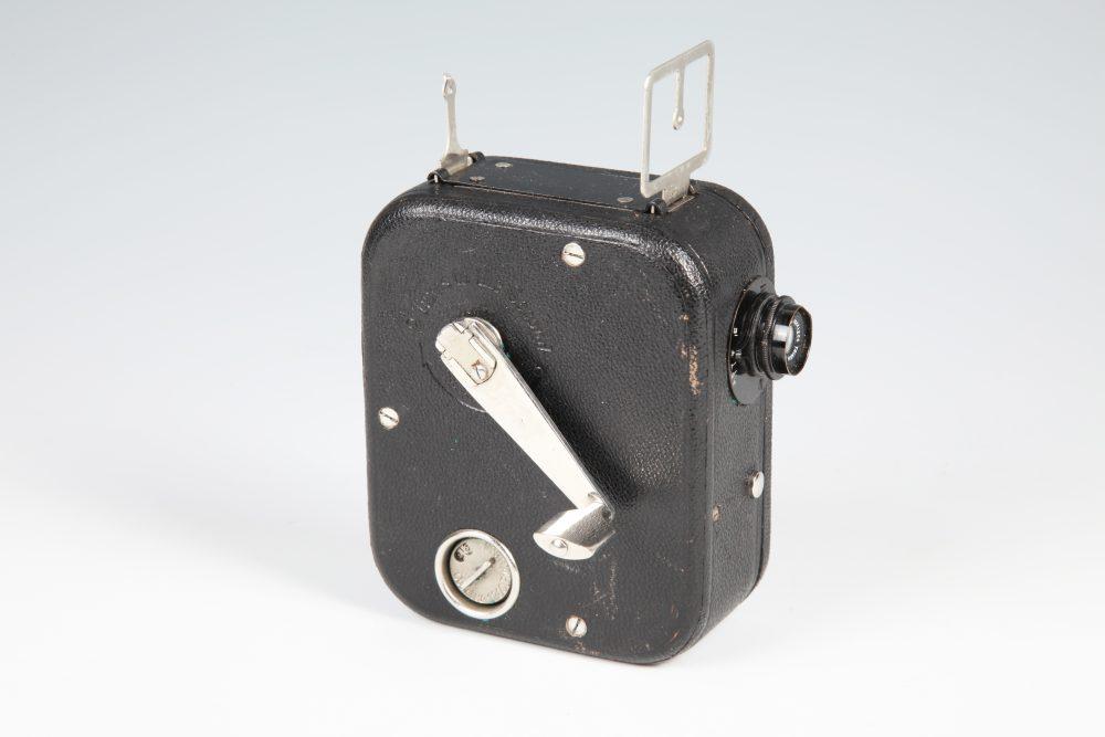Ak4550_KT-639 Kino kamera PATHEX (PATHÉ BABY), ,Prancūzija, 1925 m., 9,5 mm kompakte