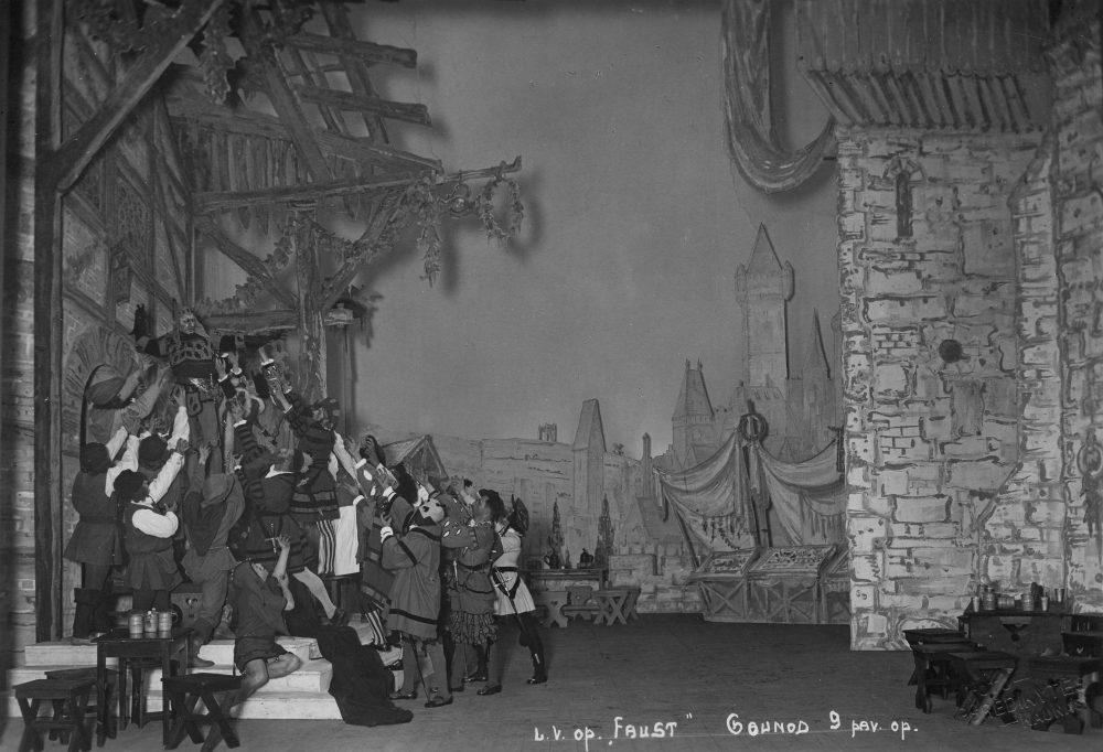 """Opera """"Faustas"""", Mstislavas Dobužinskis, spektaklio scena"""