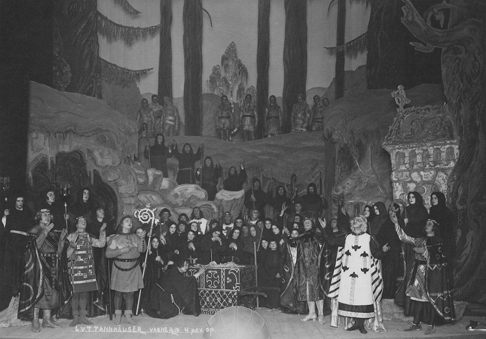"Mstislavas Dobužinskis, opera ""Tanhoizeris"""